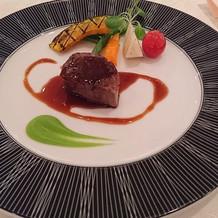 式前見学に行った時に食べた肉料理