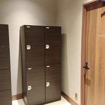ゲストの為の更衣室やコインロッカー。