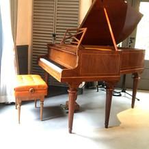 ピアノがあるので、余興で演奏も可能