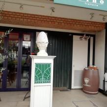 披露宴会場のレストラン前です。