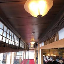 披露宴会場横廊下