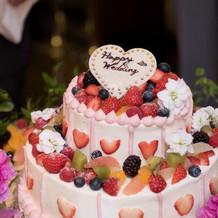 ウェディングケーキです。