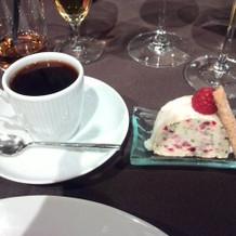 アイスケーキとコーヒー