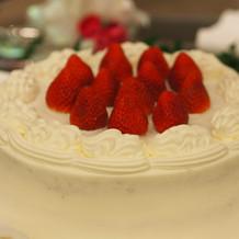 少人数家族婚のためのケーキ