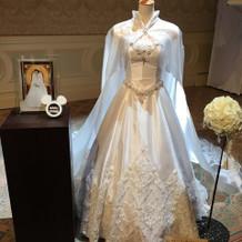 アナと雪の女王エルサ風ウェディングドレス