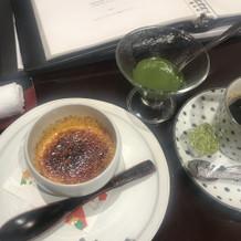 ブリュレは抹茶ソースがものすごく濃厚