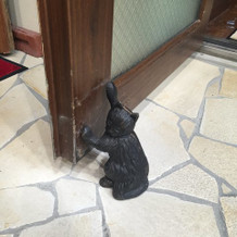 ドアストッパーまで猫で可愛い!