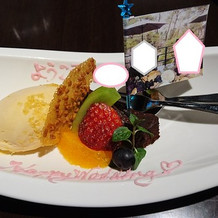 デザート(旗には先程撮影した写真が…)
