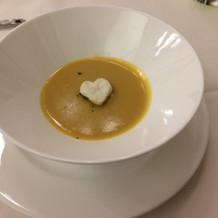 ハートの飾りが楽しい5種の野菜のスープ