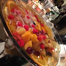 フルーツたっぷりマグナムシャンパン。