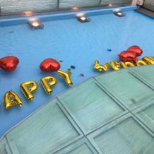 プールは自由に装飾できます