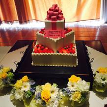 特注のウエディングケーキ