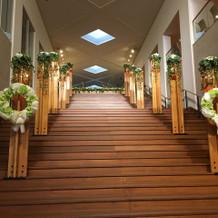 大階段が素敵です。