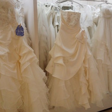 ドレスたくさんありました