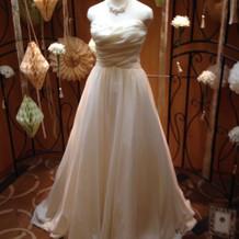 ウエディングドレスの種類も多い