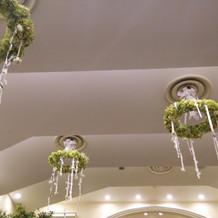 使用した披露宴会場の天井