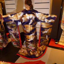 和装 鶴の刺繍がカッコイイ