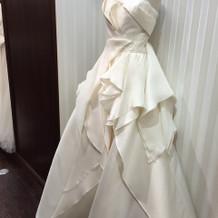 来期の新作のドレス達…