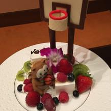 ウェディングケーキも結婚式後に食べました