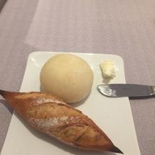 このパンとバターも絶品で抜かりない感じ