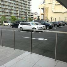40台まで収容可能の駐車場