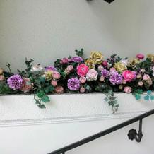 館内の花はほとんど造花だったのが残念