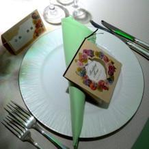 グリーンでまとめたテーブルコーディネイト