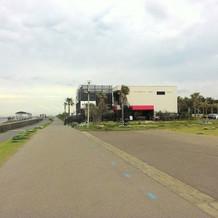 海側からの建物外観