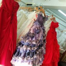 沢山ドレスが並んでました。
