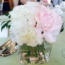 ゲストテーブルのお花