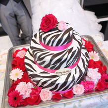 ゼブラ柄ウェディングケーキ