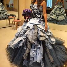 こったデザインのドレスが多かったです。