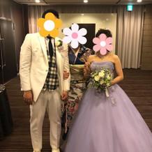 カラードレスは淡い紫にしました。