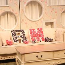 フォトブースのソファー