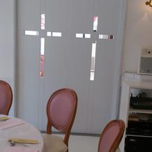 レストラン会場のドア