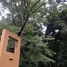 チャペル入口の鐘
