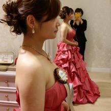 ティアラとカラードレスを合わせました