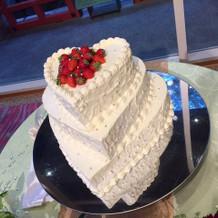 プラン内のウェディングケーキ。