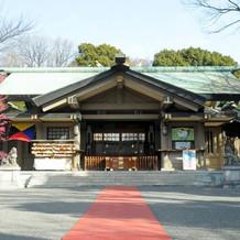 落ち着きのある厳かな神社
