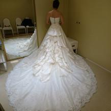 重厚感のあるドレス