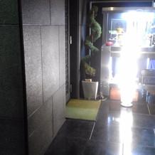 一階の玄関です。ここに受付をつくります。