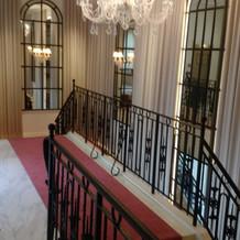 階段の上はこんな感じです。