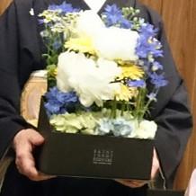 新郎新婦から親御さんへの花箱?