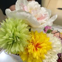 美容室(マサコ)の髪飾り造花