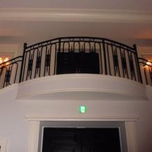 披露宴会場内にある大階段