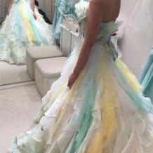 春らしい爽やかなドレス