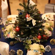 1卓ずつ置いたクリスマスツリー1