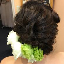 持参した生花髪飾り。
