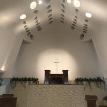 天井からは自然光が入りやすいようです