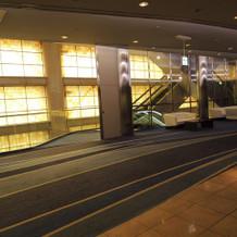 披露宴会場前の回廊です